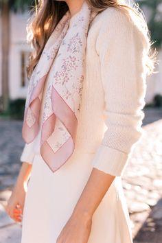 Vải lụa thắt kiểu Carvat