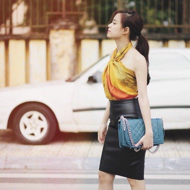 Sao Việt và cách biến hóa khăn quàng cổ thành váy áo