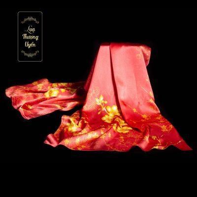 Khăn lụa hoa mai vàng đỏ